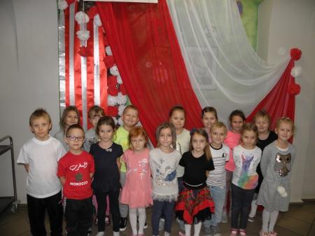 11 listopada z dumą odśpiewaliśmy polski  hymn.